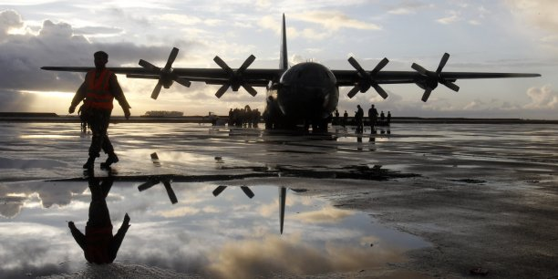 Les deux premiers C-130J seront livrés fin 2017 et début 2018 et les deux ravitailleurs en 2019