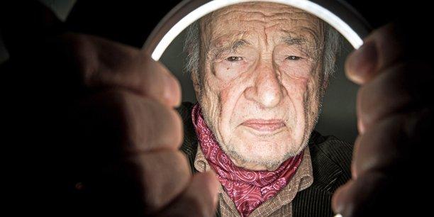 Le sociologue et philosophe Edgar Morin ausculte, du haut de ses 94 ans, l'état du monde et celui de la France.