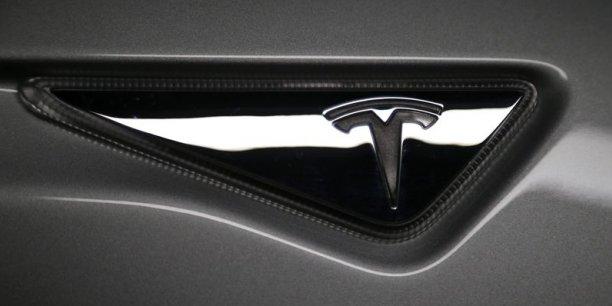 Tesla prévoit de livrer 80.000 à 90.000 véhicules de Model S et Model X en 2016, alors que les analystes anticipent en moyenne environ 79.000 véhicules.