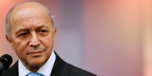 """""""Pour autant, compte tenu du début de polémique interne sur ce sujet, je juge préférable de vous remettre mon mandat de président de la COP"""", explique Laurent Fabius dans une lettre remise à François Hollande."""