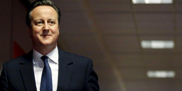 David Cameron rentre à Londres avec un accord.