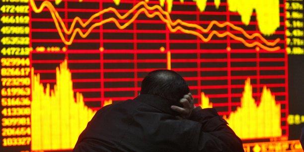 La «grande dépression», dont on croyait sortir lentement, s'est brutalement rappelée aux souvenirs des investisseurs et des dirigeants.