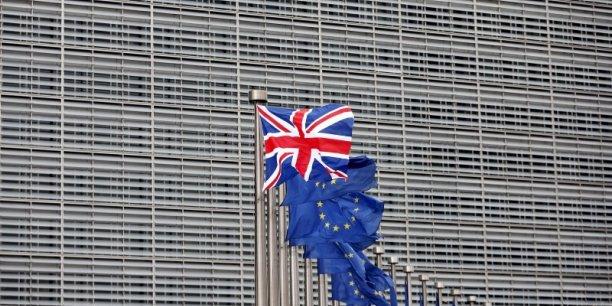 """M. Longworth a comparé le choix du référendum à un dilemme entre """"le diable"""" du maintien dans une UE jugée irréformable et """"l'océan insondable"""" des incertitudes qu'entraînerait un Brexit."""