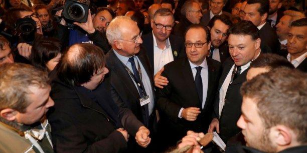 François Hollande a dit souhaiter une révision de la loi sur les relations commerciales