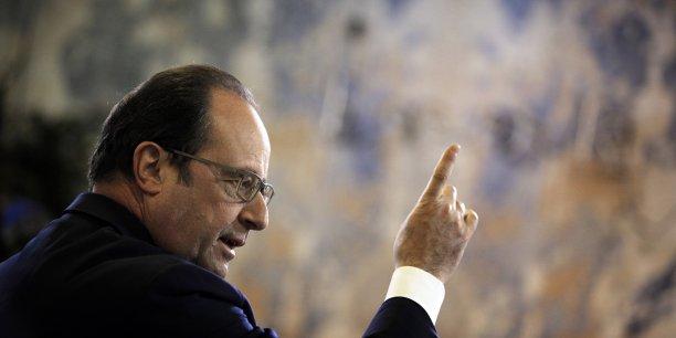 """François Hollande a défendu un texte offrant """"sécurité et souplesse dans un monde qui change pour donner de la visibilité aux entreprises, notamment aux PME, et des garanties, des protections, aux salariés""""."""