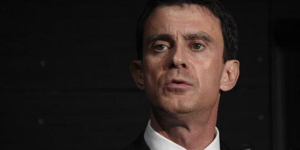 Moi, je veux convaincre les socialistes, les radicaux de gauche, les écologistes d'approuver cette loi mais je veux que la loi recueille aussi l'assentiment de tous ceux qui veulent réformer le pays, affirme Manuel Valls.