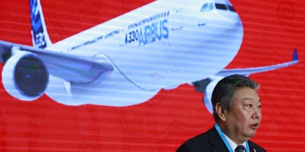 En 2015, Airbus a livré 158 avions à des clients chinois, soit 24% de sa production mondiale. (Photo: le 2 mars 2016, Lin Zuoming, président d'Aviation Industry Corp of China, lors de son discours pour l'inauguration du centre de finition pour A330 de Tianjin.)