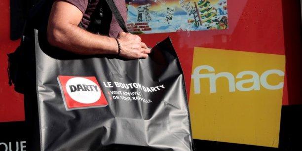 L'offre proposée par la Fnac devait valoriser Darty à 558 millions de livres (environ 797 millions d'euros), sur la base du cours du 19 novembre.