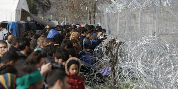 En Grèce, les réfugiés s'entassent à la frontière avec la Macédoine, désormais fermée. Ici, le 1er mars près du village de Idomeni.