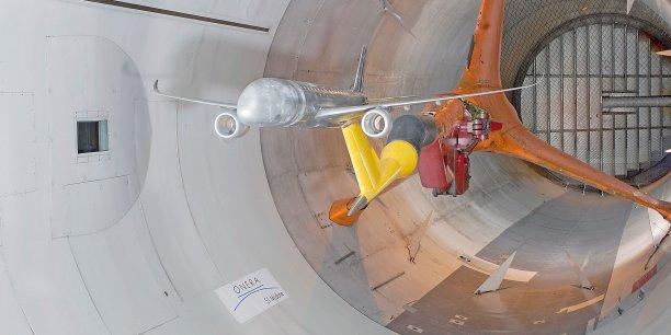 """La décision de sauver la grande soufflerie S1 de Modane-Avrieux """"était essentielle en raison de l'excellence et de l'enjeu stratégique que représente pour l'industrie aérospatiale française cet outil essentiel et unique"""", a estimé le ministre de la Défense, Jean-Yves Le Drian"""