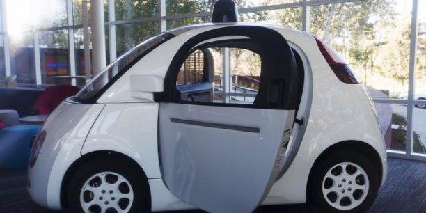 La voiture autonome sera bientôt autorisée sur les routes.