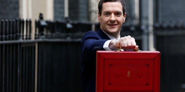 """Le Trésor va aussi instaurer """"des règles pour empêcher les structures complexes qui permettent à certaines multinationales d'éviter de payer des impôts où que ce soit, ou de déduire les mêmes dépenses dans plusieurs pays"""", a affirme le ministre des Finances britannique, George Osborne."""