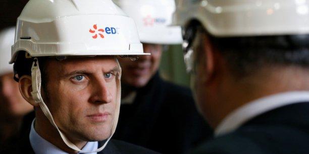 Lors de sa visite à la centrale de Civaux, jeudi 17 mars, Emmanuel Macron a affirmé vouloir soutenir EDF dans ses projets d'investissement.