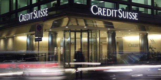 La deuxième banque suisse avait annoncé en février une perte annuelle de 2,94 milliards de francs suisses en 2015, sa première depuis 2008.