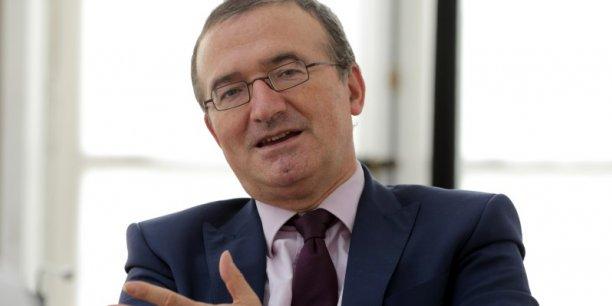Pour Hervé Mariton, député (Les Républicains) de la Drôme et candidat à la primaire de droite, le projet de loi Trvail cherche encore une fois à faciliter le contournement des 35 heures, alors que, pour lui, ce sont les 35 heures qu'il faut suprimer.