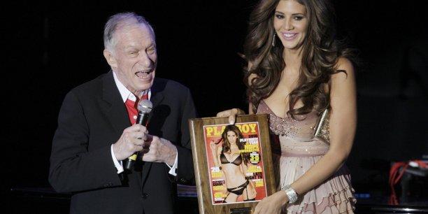 Fondé en 1953 à Chicago par Hugh Hefner, Playboy s'était rendu célèbre pour ses photographies érotiques.