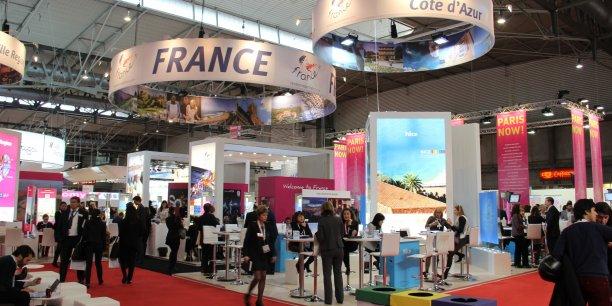 Provence Côte d'Azur Events, le pôle régional dédié au tourisme d'affaires, promeut la destination via les salons professionnels.