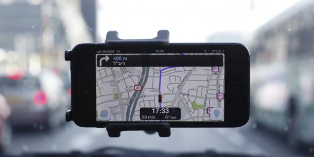 L'application Waze permet aux conducteurs d'optimiser leurs parcours en évitant travaux, embouteillages et les radars.
