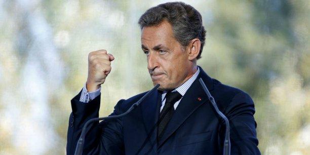 """Nicolas Sarkozy s'est """"émancipé"""" des règles du débat ce matin comme pour se construire une stature présidentielle à part devant le public du MEDEF"""