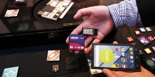 Un prototype du téléphone en kit d'Ara en mars 2015 lors du congrès mondial des mobiles à Barcelone.