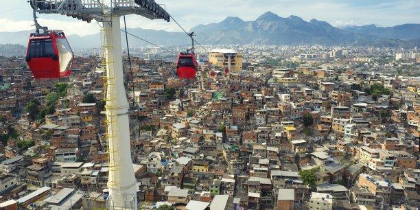 Poma et WWF France viennent de signer un partenariat pour travailler sur des projets de mobilité urbaine.