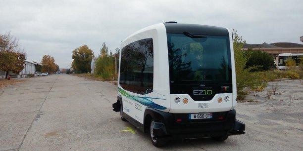 La EZ10 développée par EasyMile sur Francazal