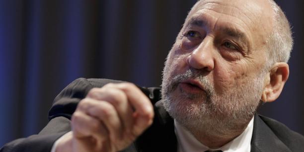 Le prix Nobel d'économie 2001, pape du néo-keynésianisme, Joseph Stiglitz.