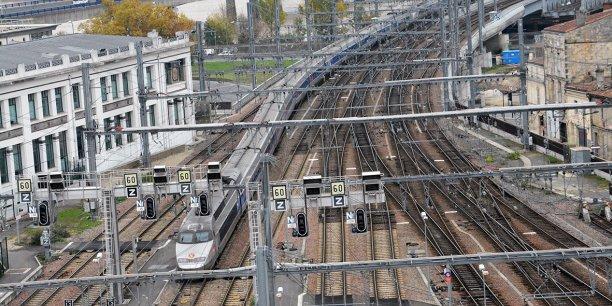 Les Parisiens arriveront à Bordeaux avant 9 h en prenant le premier train, les Bordelais à 8 h à Paris.
