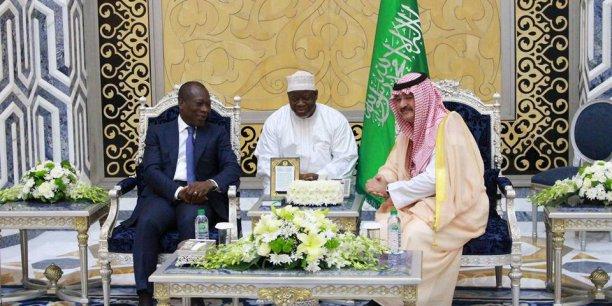Le Président Béninois a été reçu par les officiels saoudiens lors de sa visite à Djeddah.