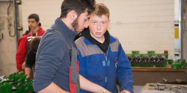 Des jeunes élèves en formation au sein des MFR.