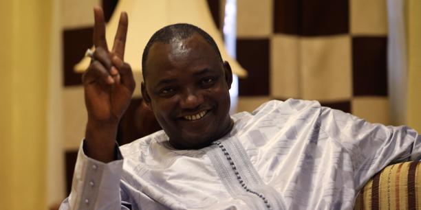 Jammeh accepte de quitter la Gambie, selon un proche du nouveau président