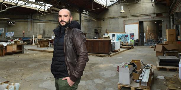 Damien Beaufils au milieu de la future Commune.