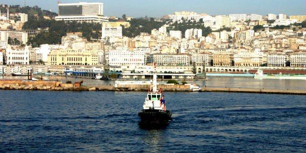 Une vue d'Alger par la mer.