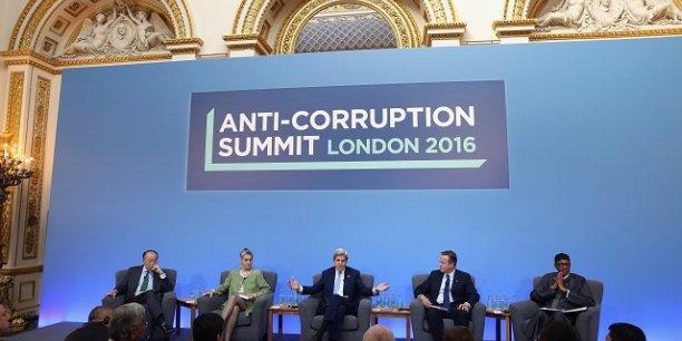 Londres a organisé le premier sommet mondial sur la lutte contre la corruption en 2016.