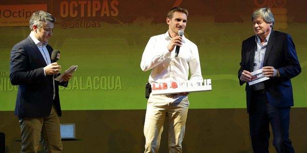 N. Passalacqua d'Octipas, vainqueur du concours de pitch, entouré de F.-X. Delacoux (RTS) et P. Chauvois (Banque Populaire du Sud).