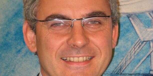 Benoît Loutrel est arrivé à l'Arcep en 2004. Il a d'abord été directeur de la régulation des marchés fixes et mobiles, avant de devenir directeur général adjoint, puis directeur du programme Développement de l'économie numérique auprès du commissaire général à l'investissement.