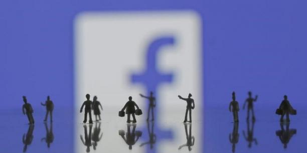 Facebook était accusé par des associations américaines de défense de droits civiques de permettre une surveillance policière dangereuse grâce à la diffusion de ses données à des sociétés spécialisées dans le big data.