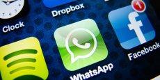 """Une juge a ordonné à Embratel, entreprise de téléphonie fixe, et Anatel (l'Agence nationale de télécommunications), ainsi qu'à tous les opérateurs de téléphonie mobile du pays de """"suspendre immédiatement l'application WhatsApp"""", sous peine """"d'une amende de 50.000 réais (près de 14.000 euros) par jour""""."""