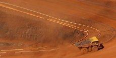 Face à la baisse des cours des métaux, Rio Tinto et Anglo American ont décidé de réduire leurs investissements pour 2016.