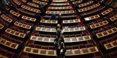 Le parlement grec a adopté les mesures proposées par le gouvernement sur les retraites et la réforme fiscale.