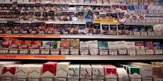 Jusqu'à la fin de l'année, les deux types de paquets pourront coexister dans les bureaux de tabac.