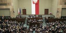 Le nouveau gouvernement polonais a repris la main sur le tribunal constitutionnel, mais veut également reprendre en main les médias publics.