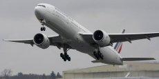 L'appareil s'est posé non pas à Orly mais à Roissy car Air France disposait sur cet aéroport d'un avion et d'un équipage de réserve, lequel a pu partir dans l'après-midi.