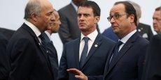 """La démission de Laurent Fabius aura amorcé le mouvement. Lors du remaniement qui aura lieu jeudi 11 février, François Hollande et Manuel Valls souhaitent faire entrer des écologistes au gouvernement. (Photo prise lors de l'ouverture la COP21, juste avant la """"photo de famille"""", au Bourget, le 30 novembre 2015)"""