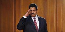 """Nicolas Maduro, président socialiste du Venezuela, affronte la colère de l'opposition alors qu'il vient de voir confirmer son décret """"d'état d'urgence économique"""" lui permettant de jouir de pouvoir élargis pour faire face à la dure crise économique qui frappe son pays."""