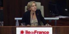Valérie Pécresse, présidente de la région Île-de-France, opère des coupes budgétaires dans le logement très social.