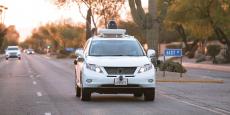 Une voiture autonome de Google en test à Phoenix (Arizona) le 5 avril dernier. Le lobby fait valoir que les voitures sans chauffeur amélioreront notamment la mobilité des personnes âgées et handicapées, et qu'elles réduiront le nombre d'accidents et les embouteillages.