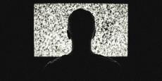 Laetitia Recayte, en charge de la publicité, de la distribution et de la production (France Télévisions Publicité, France Télévisions Distribution et Multimédia France Production), plaide également pour un assouplissement de l'interdiction de diffuser de la publicité en soirée sur les chaînes du groupe public.