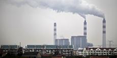 Les sommes de TVA éludées au total dans la fraude sur le marché des quotas d'émission de CO2 atteignent 1,6 milliard d'euros en France.