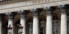 En France, en 2015, le nombre d'entreprises de PME et d'ETI résidentes cotées a stagné avec 525 PME-ETI présentes à la Bourse de Paris, qui en compte en tout 665 avec les grands groupes.